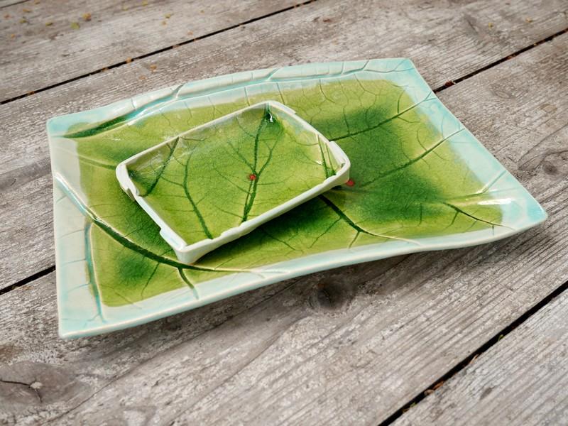 """Keramikschalen aus abgeformten Blättern mit Tiefenglasur- Serie """"Organic Bowls"""""""